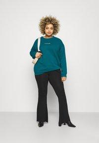 Missguided Plus - WASHED BASIC  - Sweatshirt - blue - 1