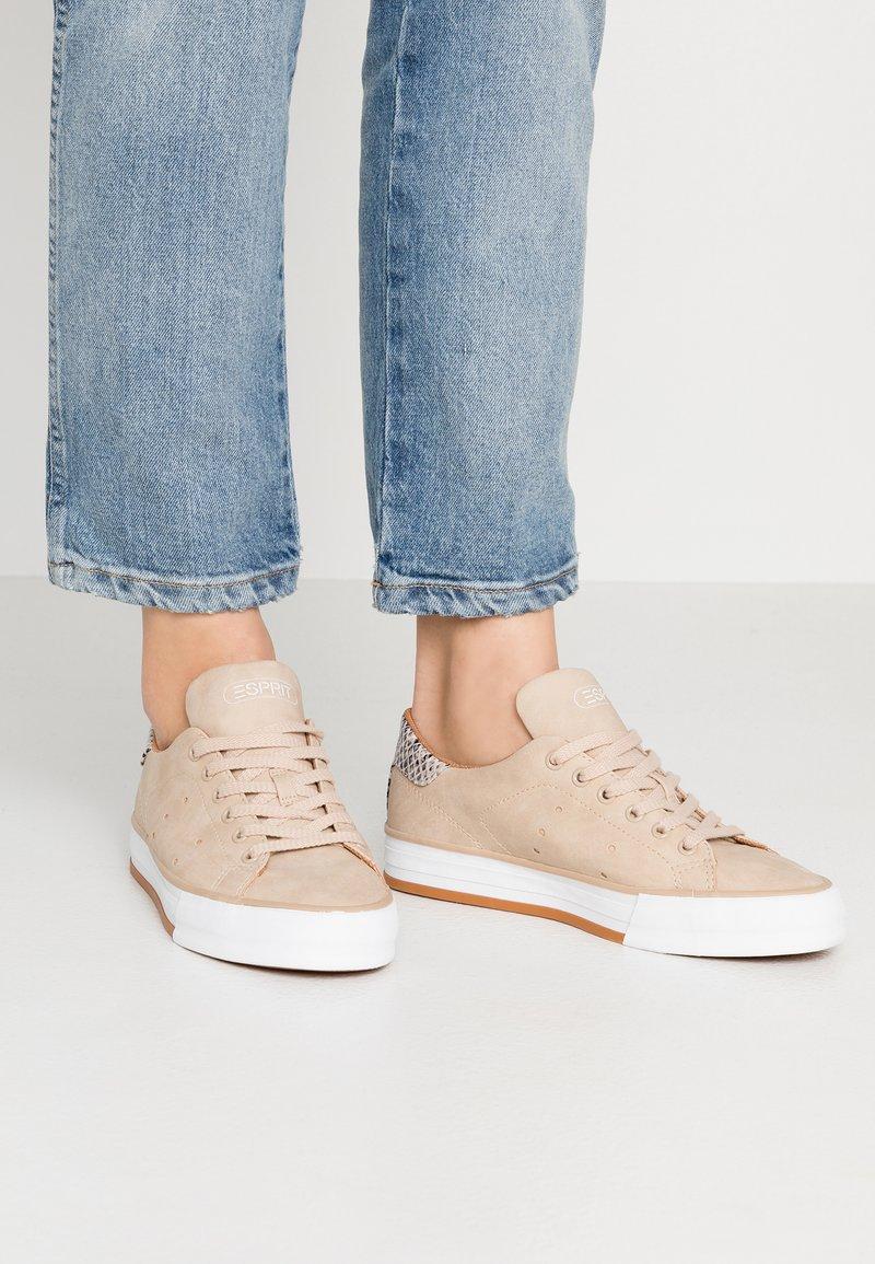 Esprit - SIMONA - Sneakers - bark