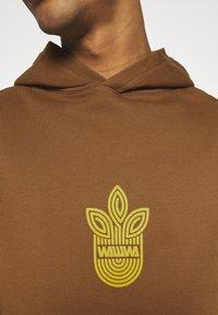 WAWWA - UNISEX LEAF HOOD - Sweatshirt - bark brown - 7