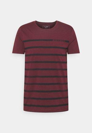 STRIPE - Print T-shirt - deep burgundy red