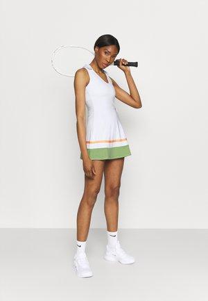 TENNIS DRESS - Sportovní šaty - white