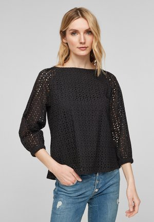 Blouse - black embroidery
