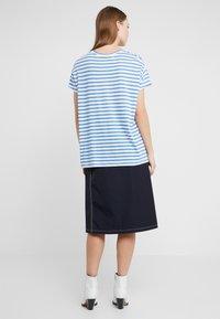 CLOSED - Print T-shirt - bluebird - 2