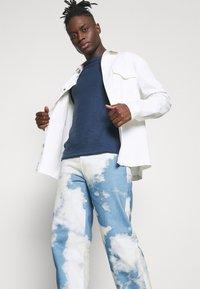 Jaded London - CLOUD SKATE - Jeans baggy - blue - 4