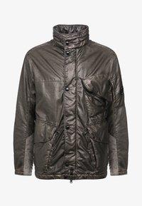 C.P. Company - MEDIUM JACKET NYBER SPECIAL DYED - Lehká bunda - dark olive - 5