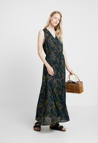 Q/S designed by - Maxi dress - black - 1
