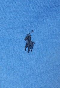 Polo Ralph Lauren - CUSTOM SLIM FIT JERSEY CREWNECK T-SHIRT - Basic T-shirt - harbor island blue - 2