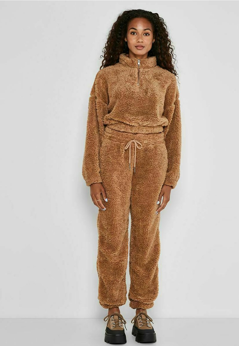 Noisy May - HOSE TEDDY - Tracksuit bottoms - tigers eye