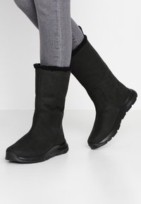 Timberland - MABEL TOWN WP PULL ON - Winter boots - black - 0