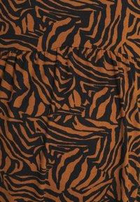 New Look Maternity - MIA ZEBRA SOFT TOUCH MIDI - Jersey dress - brown - 2
