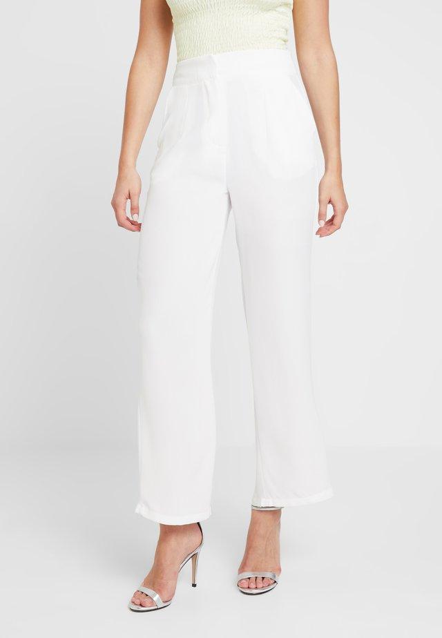 ELSA - Spodnie materiałowe - white