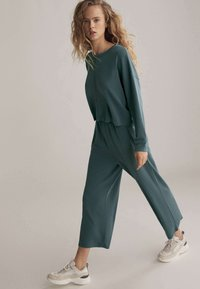OYSHO - Trousers - green - 4