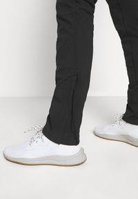 Icepeak - DORR - Spodnie materiałowe - black - 3