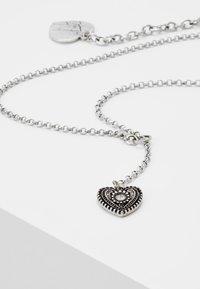 Alpenflüstern - TRACHTENHERZ - Necklace - silver-coloured - 4