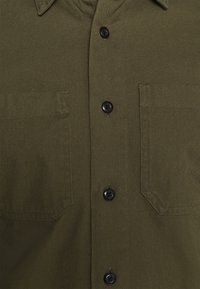 Selected Homme - SLHREGSAKI - Shirt - forest night - 6