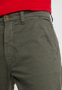 Nudie Jeans - SLIM ADAM - Pantaloni - olive - 3