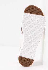 UGG - KARI - Slip-ins - white - 6