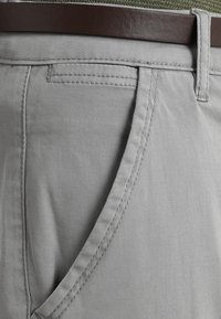 Lindbergh - CLASSIC WITH BELT - Chinos - silver - 3