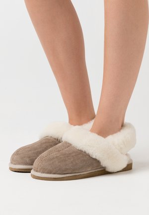 EDITH - Slippers - stone/white