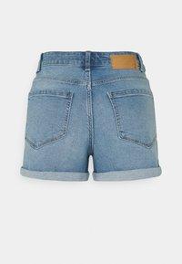 Pieces - PCPACY  - Jeansshorts - light blue denim - 1