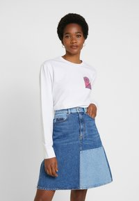 Merchcode - ABSTRACT COLOUR - Long sleeved top - white - 0