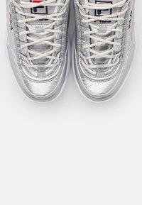Fila - DISRUPTOR  - Sneaker low - silver - 5