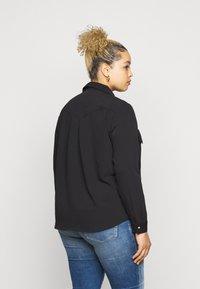 Vero Moda Curve - VMLOLENA CURVE - Košile - black - 2