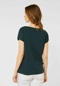 Street One - MIT V-AUSSCHNITT - T-shirt print - grün - 2