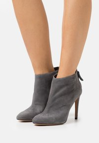 Pura Lopez - High heeled ankle boots - grey - 0