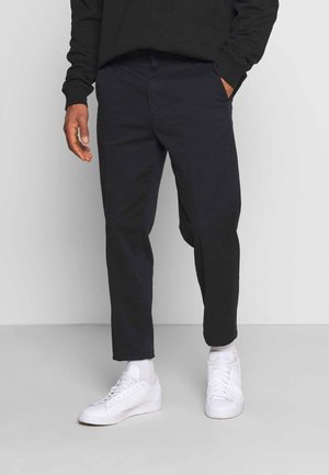 TIEN BUZZ PANT - Chinot - black