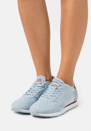 YDUN SUEDE MESH II - Sneakers laag - ice blue