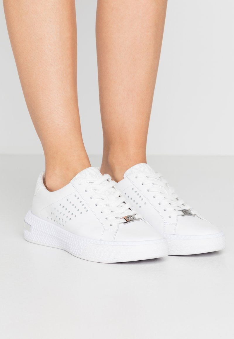 MICHAEL Michael Kors - CODIE LACE UP - Trainers - bright white
