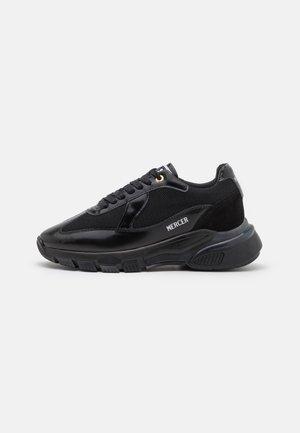 WOOSTER UNISEX - Sneakers laag - all black