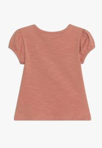 Soft Gallery - FRANNIE HEDGY - Print T-shirt - tawny orange