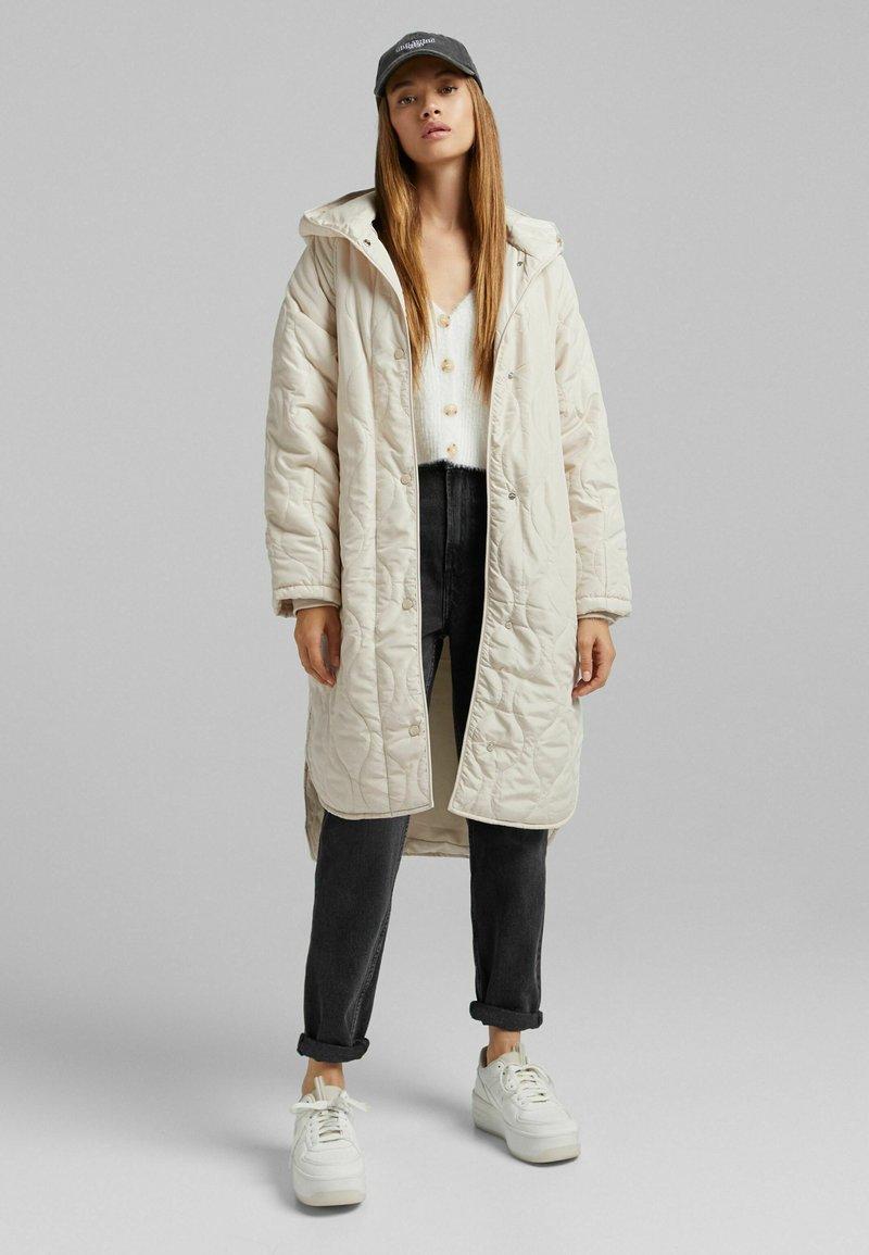 Bershka - Halflange jas - beige