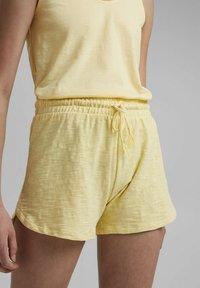 edc by Esprit - Shorts - light yellow - 6