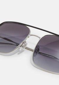 Burberry - Sluneční brýle - silver-coloured/black - 3