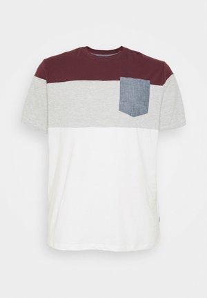 JJCONTRAST POCKET TEE CREW NECK - Print T-shirt - port royale