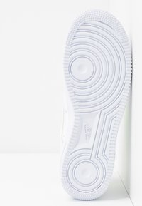 Nike Sportswear - AIR FORCE 1 - Trainers - white/barely volt - 4