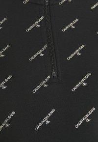 Calvin Klein Jeans - LOGO HALF ZIP - Felpa - black - 5