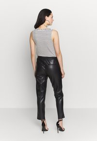 WRSTBHVR - PANTS MOONLESS - Bukse - black - 2