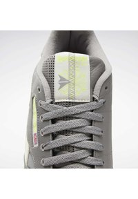 Reebok Classic - CLASSIC LEATHER REECYCLED SHOES - Sneakersy niskie - grey - 8