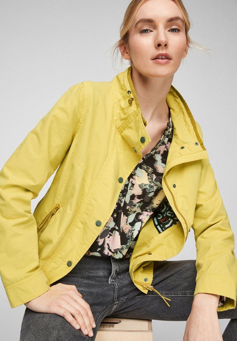 Q/S designed by - Light jacket - pistacchio