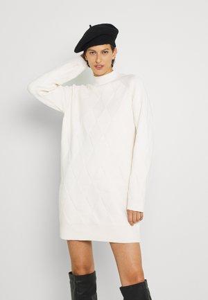 HARLEY CHUNKY NECK JUMPER DRESS - Jumper dress - cream