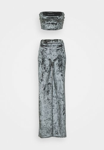 CRUSHED BANDEAU AND TROUSER - Pantalones - grey