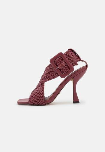 NELLY  - Sandals - burgundy