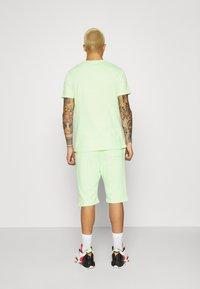 YOURTURN - UNISEX SET - Shorts - green - 4