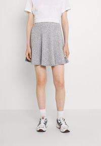 Even&Odd - Flared mini knitted skirt - Minikjol - mottled grey - 0