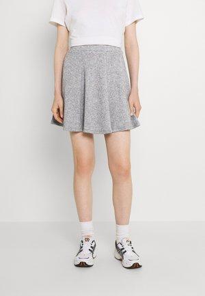 Flared mini knitted skirt - Minisukně - mottled grey