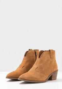 MAHONY - BILBAO - Ankle boots - cognac - 4